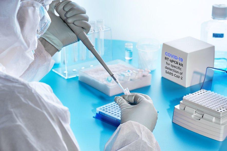 Remdesivir, Hidroksiklorokin, Lopinavir in Interferon so imeli na hospitalizirane bolnike, okužene z novim koronavirusom, malo ali pa nič učinka, zaključuje WHO.