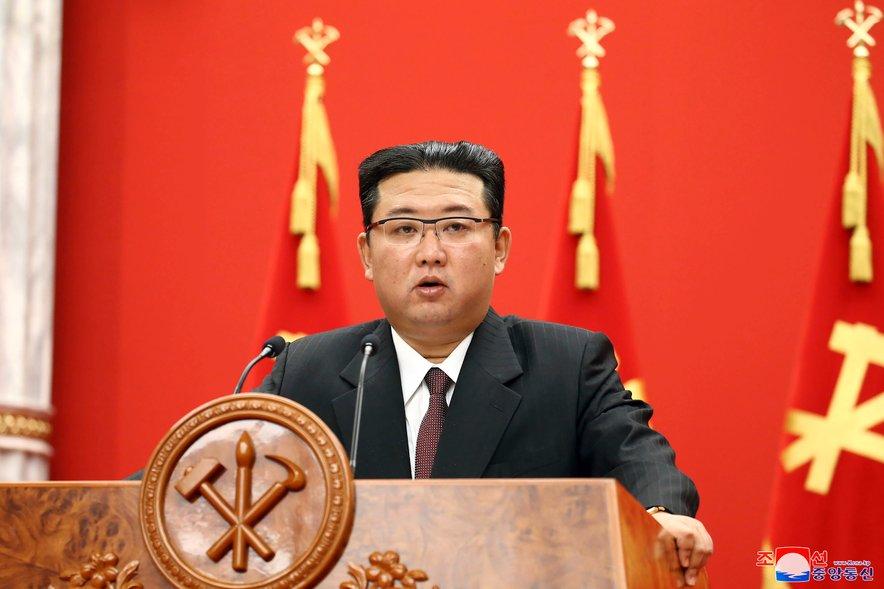 Kim Džong Un pred dnevi na 76. obletnici ustanovitve vladajoče Delavske stranke Koreje.