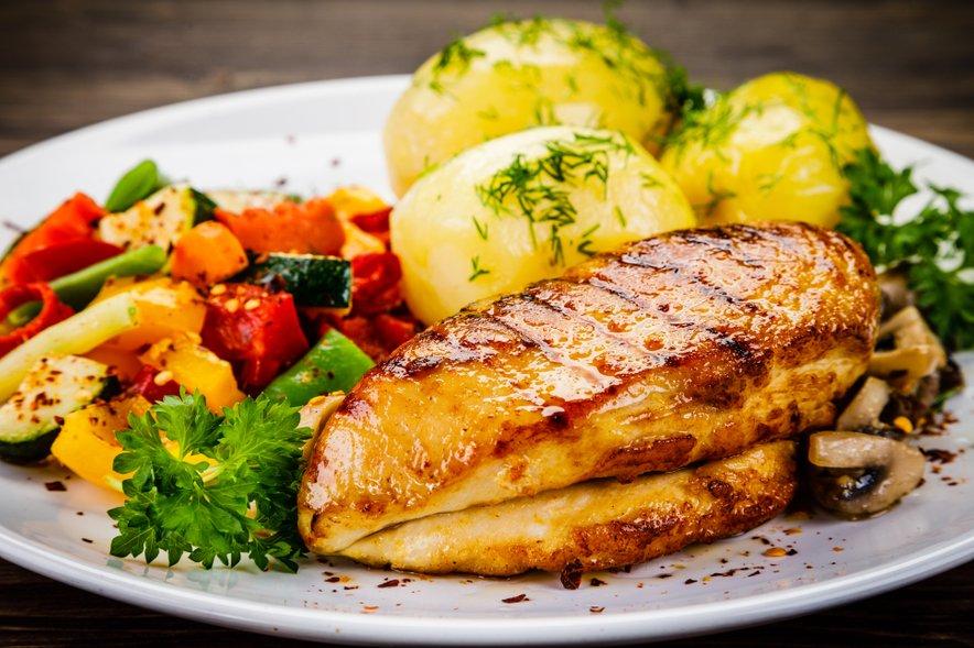 Mesa ne bi smeli kombinirati z živili, ki vsebujejo škrob.
