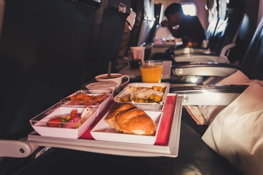 Je letalska hrana neupravičeno na slabem glasu?