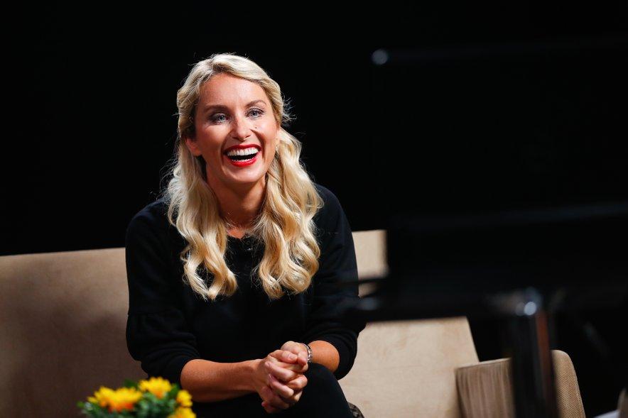 Tanja si je ogledala kar nekaj posnetkov iz preteklih treh sezon šova Ljubezen po domače.