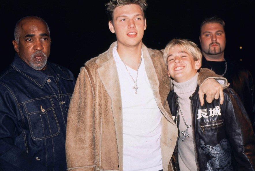 Nekoč sta si bila brata zelo blizu, Nick je Aaronu pomagal tudi, da bi mu uspelo kot glasbeniku.