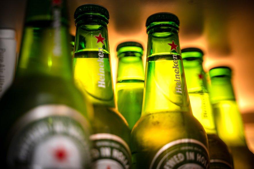 Iz Heinekenovih stekleničk so nekoč gradili hiše.