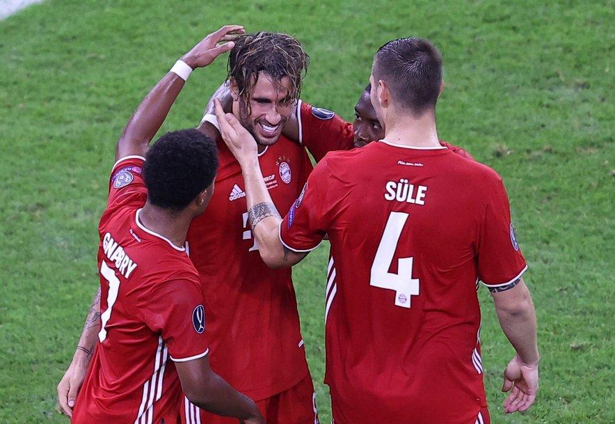 Martinez (drugi z leve) je Bayernu z zmagovitim golom prinesel enega zadnjih naslovov v nepozabnem letu 2020.