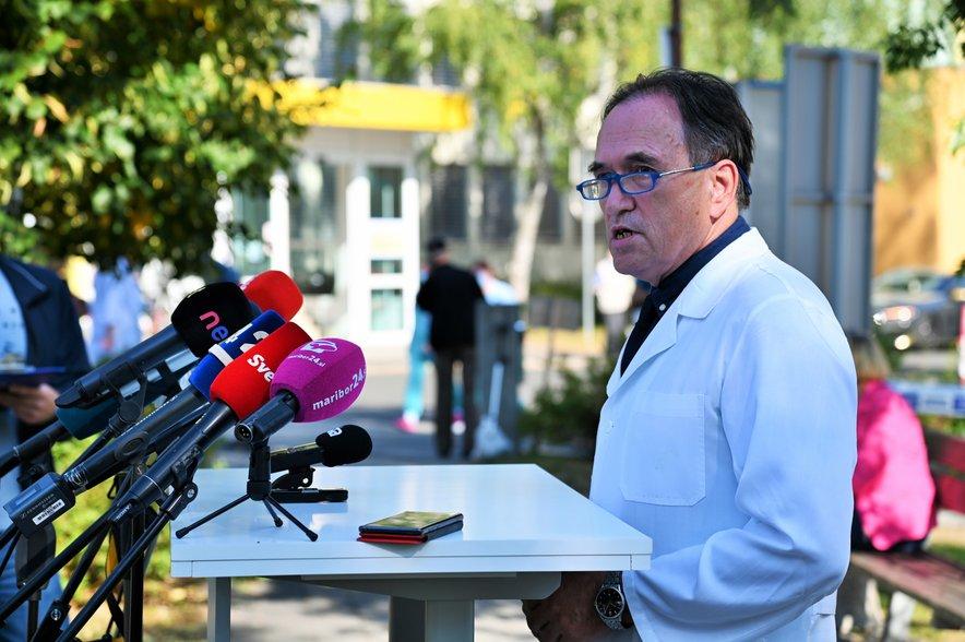 Vojko Flis, direktor UKC Maribor, je včeraj predstavil razmere v bolnišnici, kjer so potrdili več okužb pri zaposlenih.