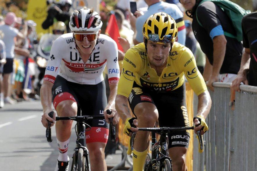Za zdaj je boj za rumeno majico odet v povsem slovenske barve. Vodi Roglič, sledi pa mu Pogačar.
