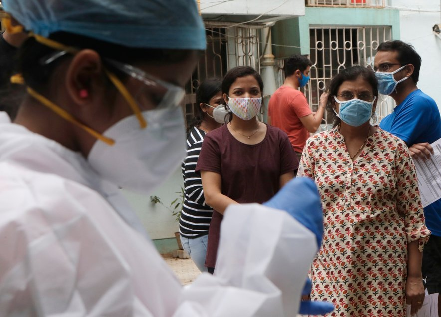 Porast okužb s koronavirusom v Indiji