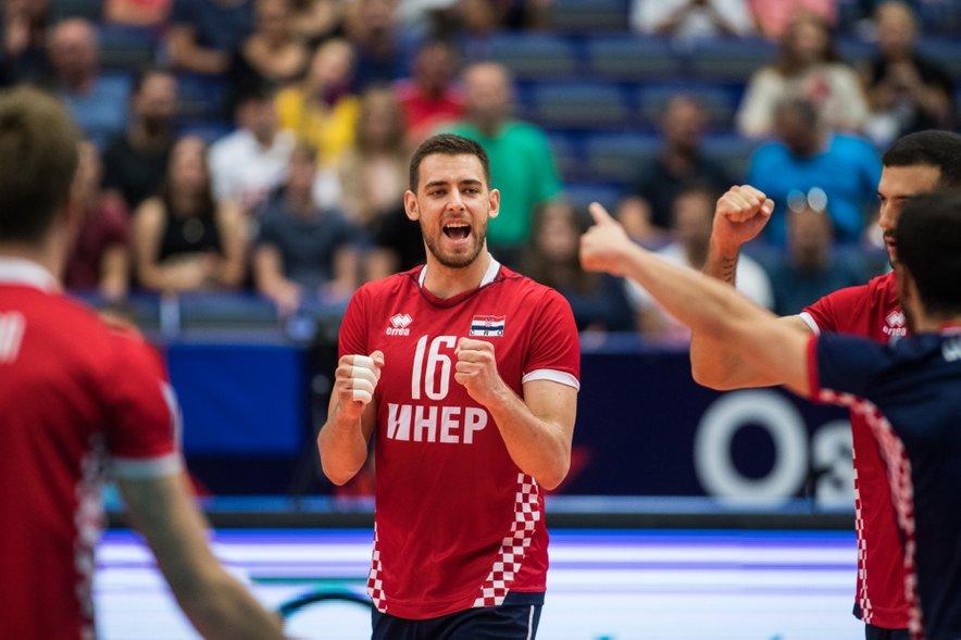 Leo Andrić je tretji set odločil z odličnimi servisi. Tekmo je končal z 9 asi in 21 točkami.