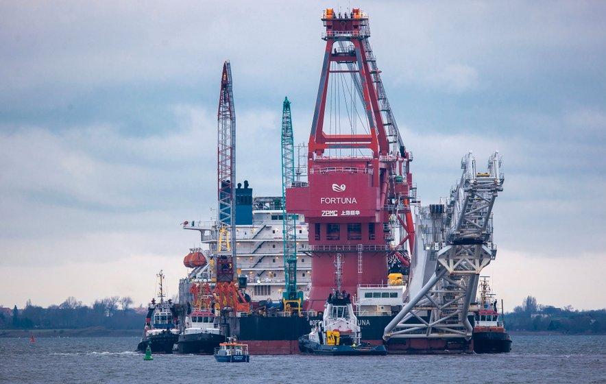 Gradnja plinovoda Severni tok 2 proti Nemčiji je končana, Ukrajina in Združene države so spornemu projektu odločno nasprotovale