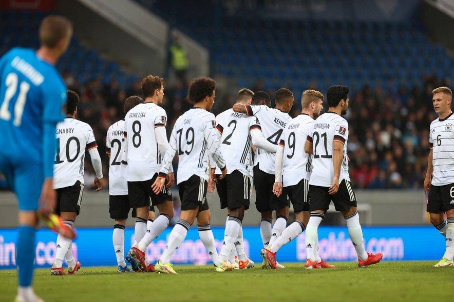 Tekmo med Nemčijo in Islandijo je dobila nemška reprezentanca.