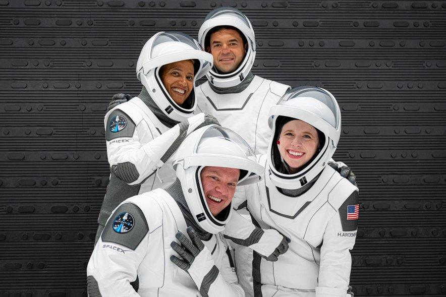 Jared Isaacman, Hayley Arceneaux, Sian Proctor in Chris Sembroski.