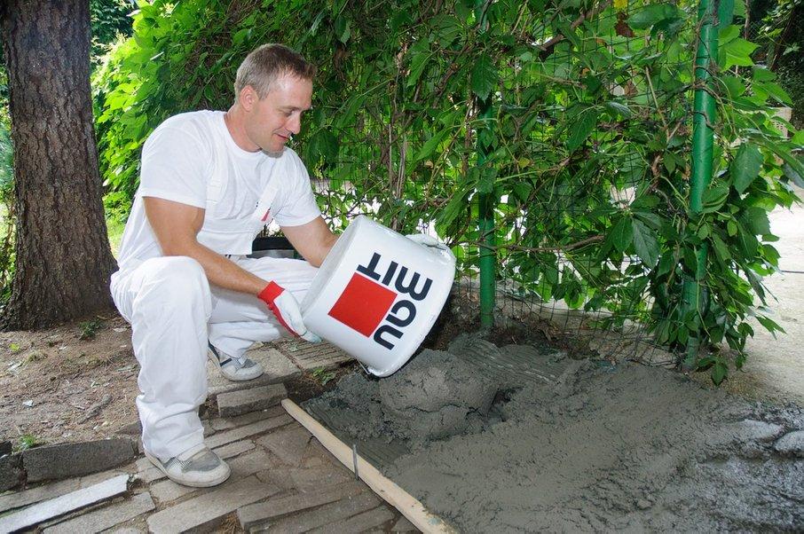 Potrebujete samo že pripravljeno mešanico betona.