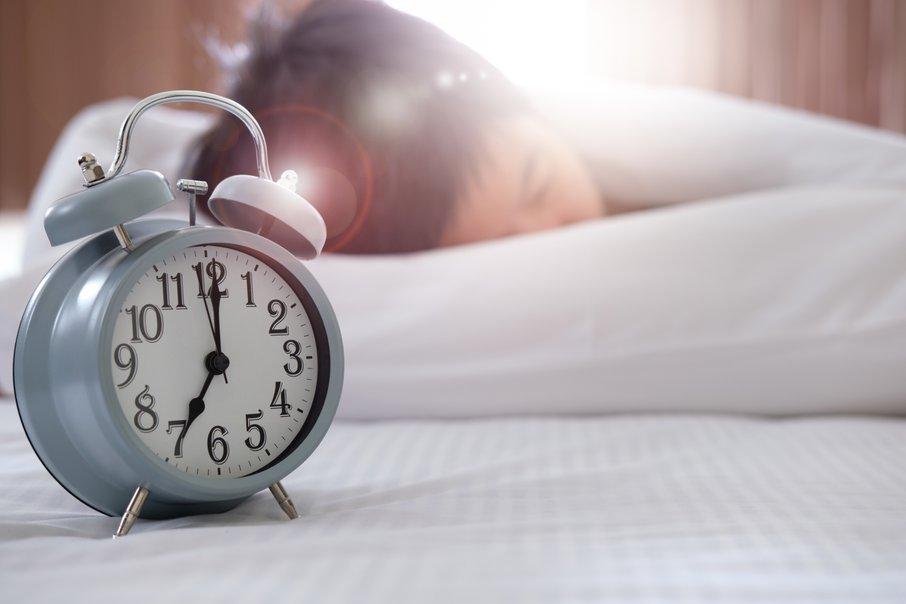 Ura, ob kateri vstajamo, naj bi povedala veliko o naši kvaliteti življenja.