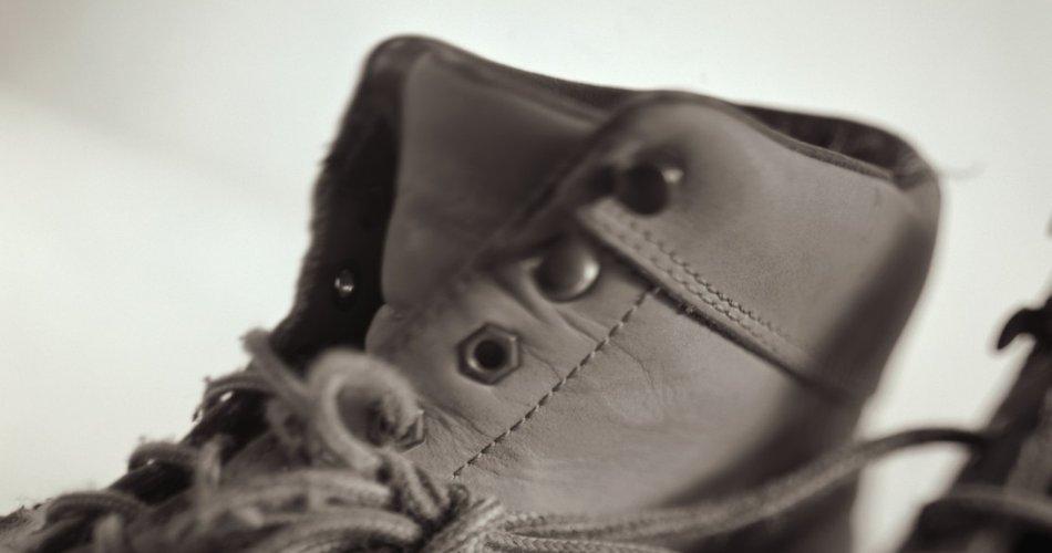 Preprost trik, da čevlje 'odrešite' smradu