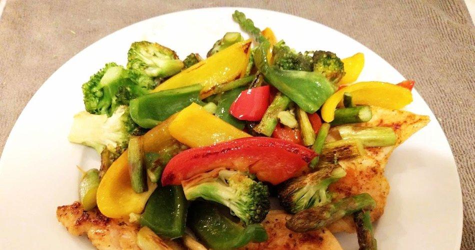 Pražen piščanec z zelenjavo