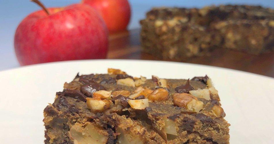 Zdravo pecivo z jabolki, orehi in čokolado