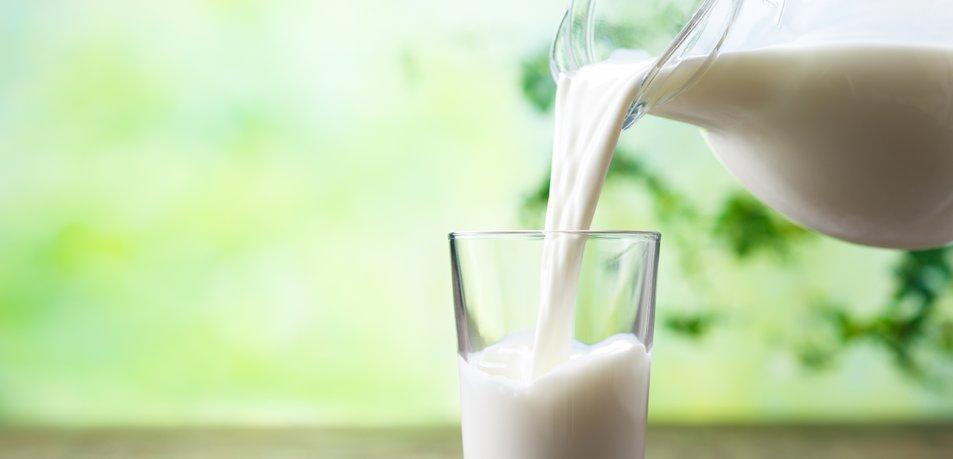 Ko je prenehala piti mleko, se je zgodilo teh 5 stvari