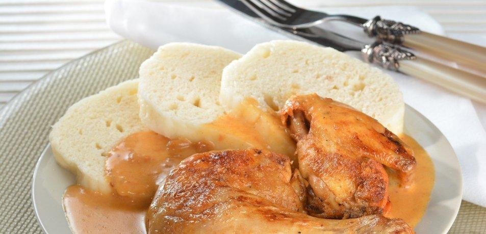 Pečen piščanec v smetanovi omaki s papriko