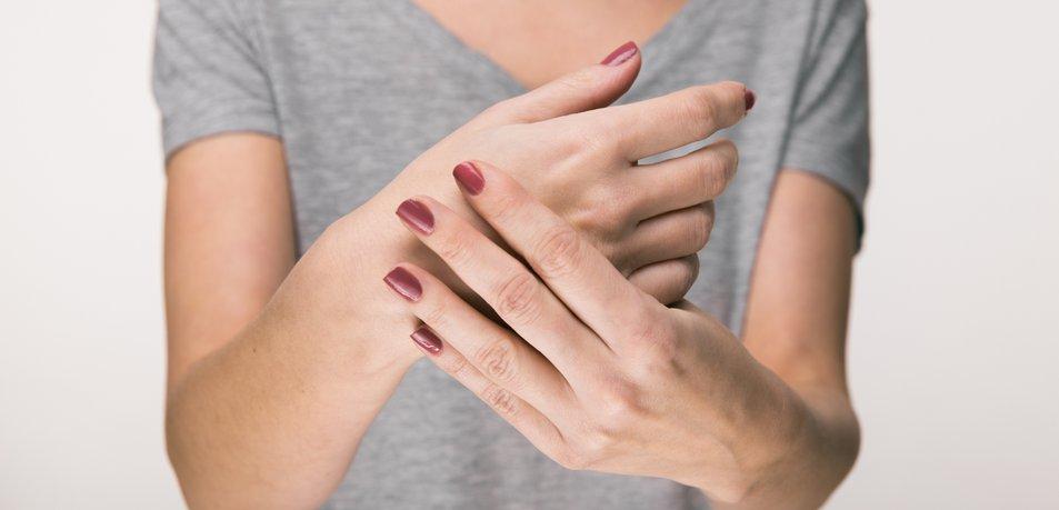 Kaj skrivajo tresoče roke?