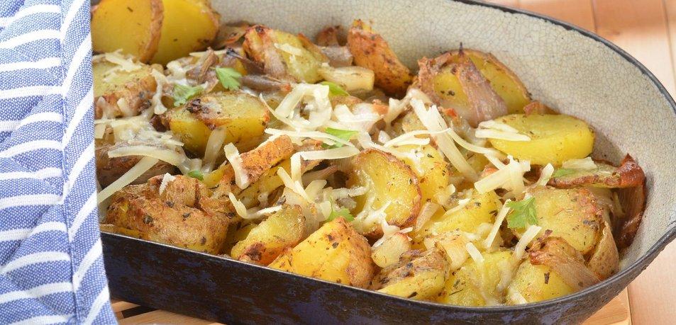 Pečen krompir z zeliščnim maslom