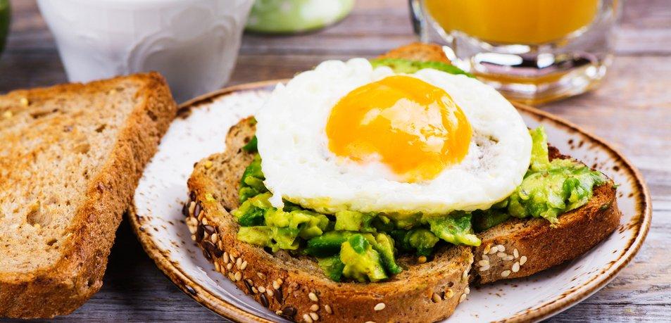 Preskakujete obroke zaradi hujšanja? Po branju tega ne boste več delali