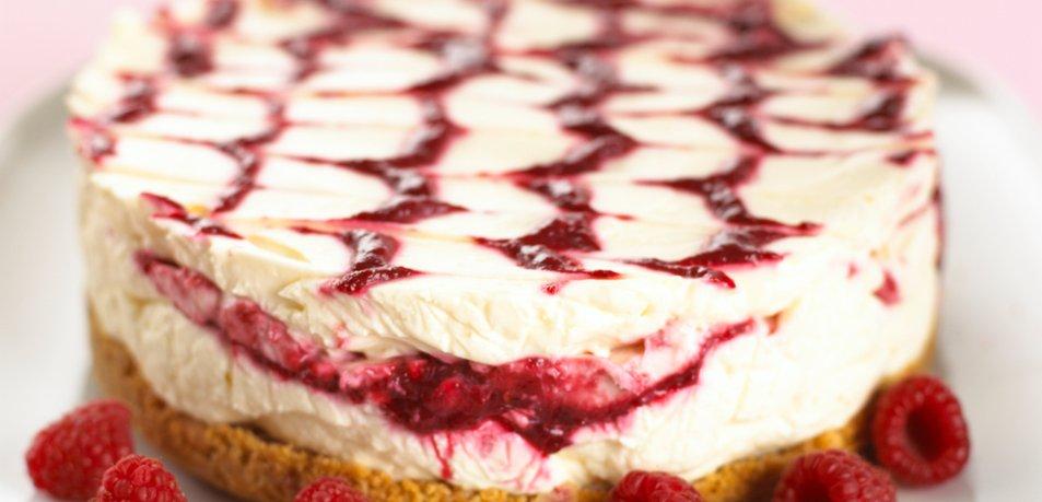 Cheesecake z malinovim pirejem