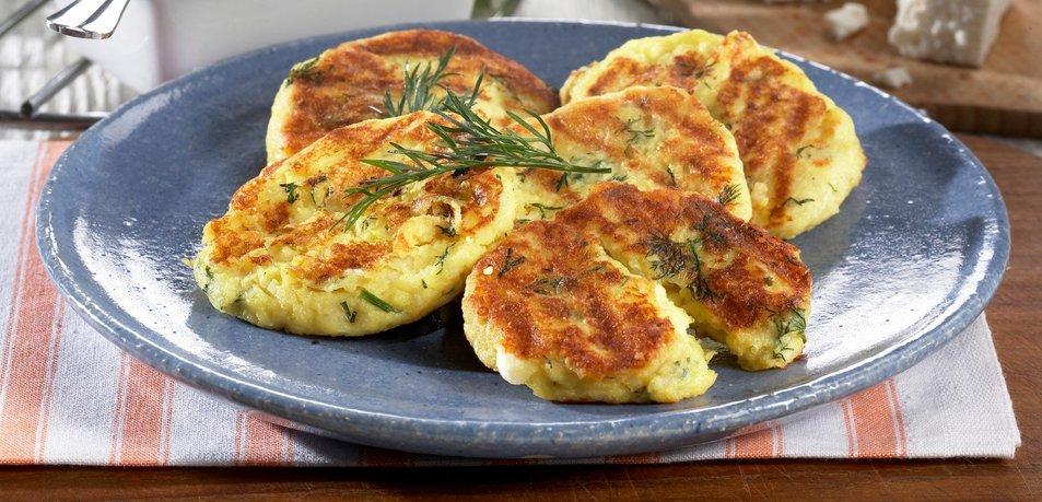 Krompirjeve polpete s sirom in koprom