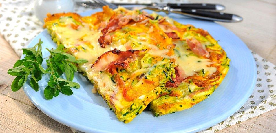 Omleta z bučkami in panceto