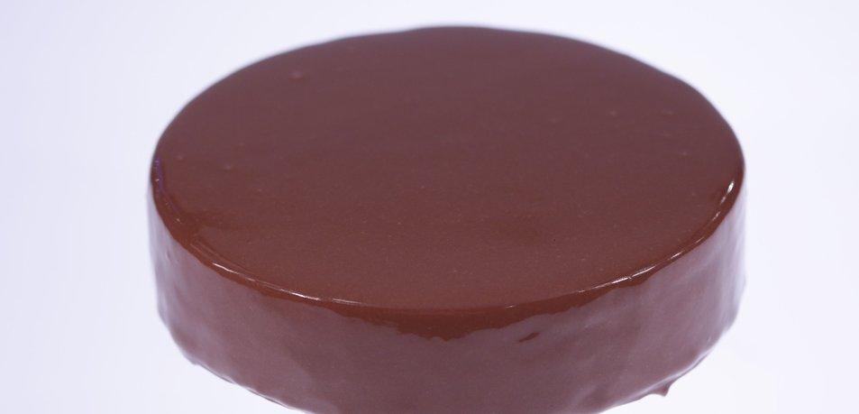 Sijoča čokoladna glazura (svetleč čokoladni obliv)