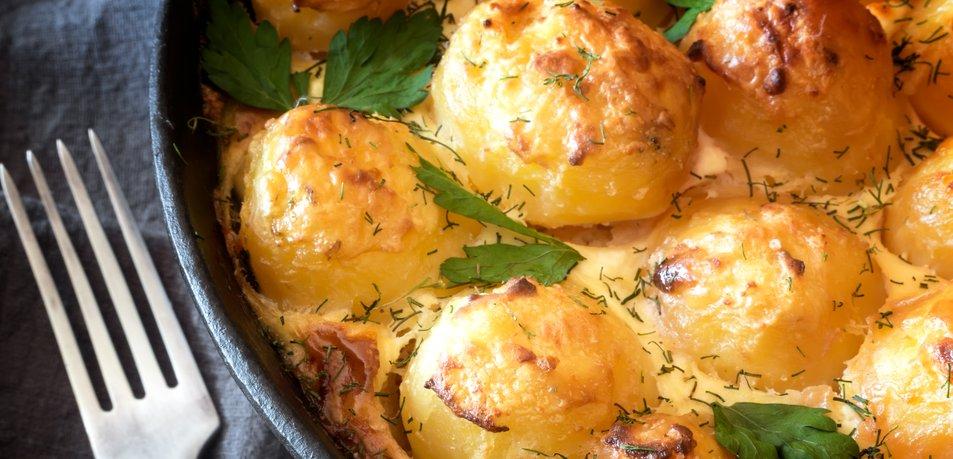Kaj kuhati junija? Popestrite jedilnik s temi okusnimi jedmi!