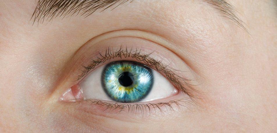 Pogled v oči lahko razkrije prve znake demence