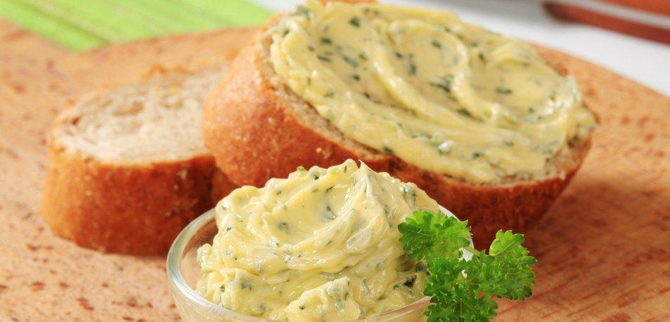 Domače zeliščno maslo