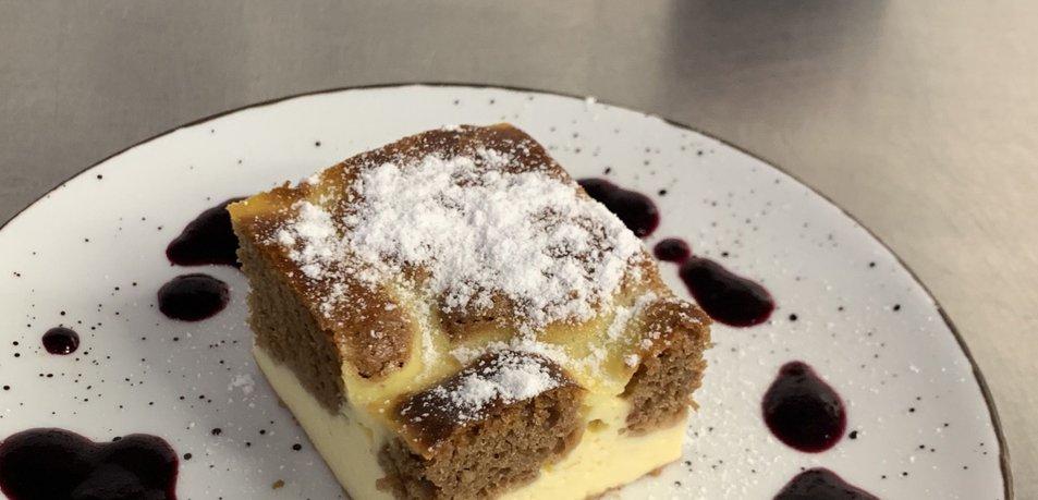 Biskvitni cheesecake