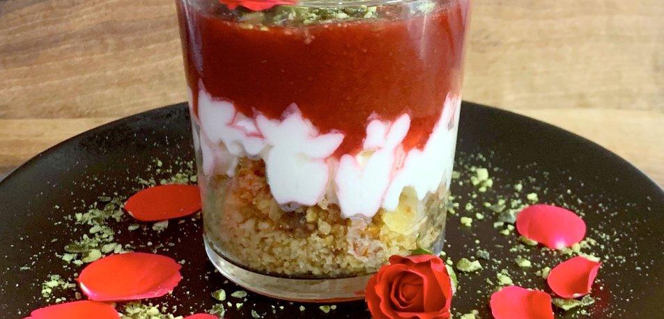 LCHF cheesecake z jagodnim pirejem
